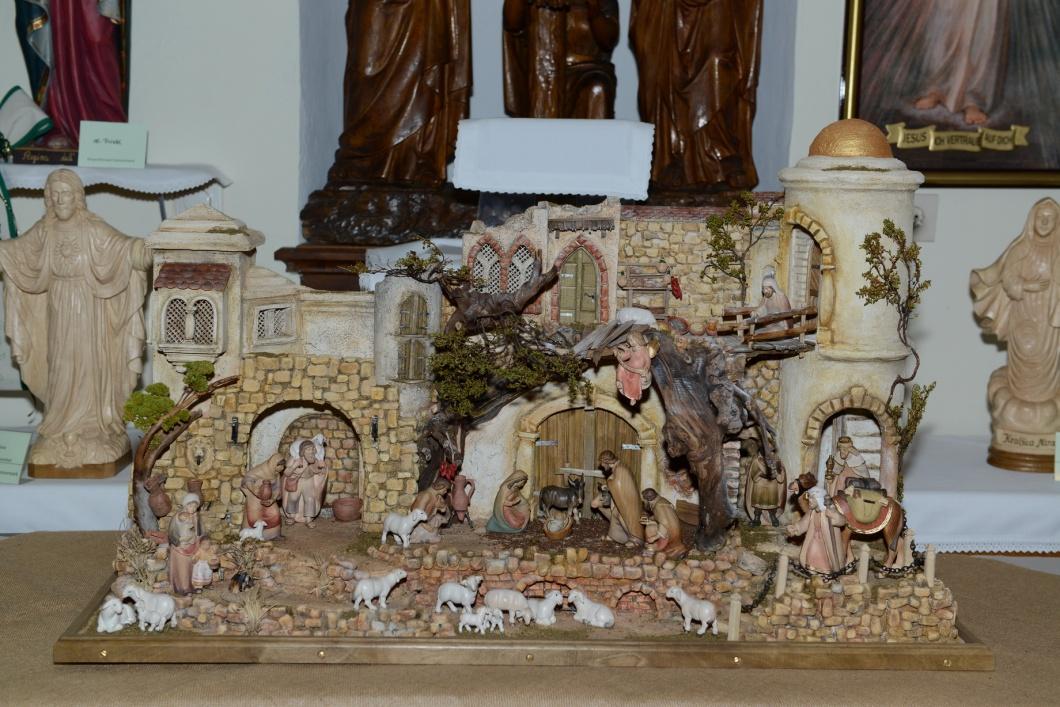 Kripperlschauen im Kapuzinerkloster Hartberg 2o15 (39)